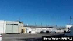 Ворота в карагандинской тюрьме. Иллюстративное фото.