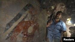 Настенные рисунки в городе древних майя, Гватемала