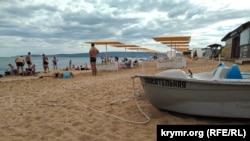 Пляж «Район рынка» в селе Береговое, Большая Феодосия, июль 2020 года
