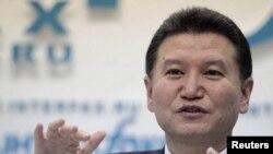 Kirsan Ilyumzhinov, FİDE_nin prezidenti