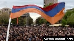 14-апрелдеги митинг учурунда. Ереван, Армения