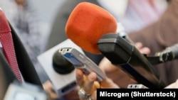 Srđan Vuletić: Mediji spinuju javnost i u službi su tih istih politika