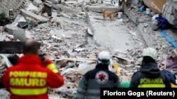 Pamje nga Durrësi pas tërmetit.
