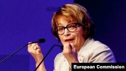 Činjenica je da je genocid izvršen u ime Srba zbog čega njihovi lideri treba da se izvine i nose taj teret, kao što mi Nemci nosimo taj teret jer je genocid počinjen u naše ime, ocenjuje Doris Pak (na fotografiji), Berlin, 24. april 2014.