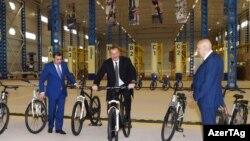 İlham Əliyev «Synergy Group»a daxil velosiped zavodunda