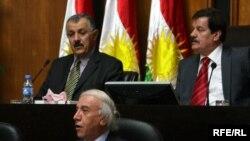 وزير الثروات الطبيعية في كردستان في مقدمة الصورة
