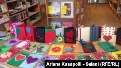 Kartolinat e krijuara nga shoqata Down Syndrom Kosova