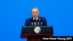 Бывший президент Казахстана Нурсултан Назарбаев выступает на саммите «Один пояс — один путь». Пекин, 26 апреля 2019 года.