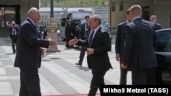 Od kada je Vladimir Putin došao na vlast u Rusiji, bilateralni odnosi bili su konstantan ples prilaženja i udaljavanja.