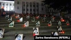 Фотографии погибших в ходе августовской войны 2008 года на «Гергиевской» лестнице