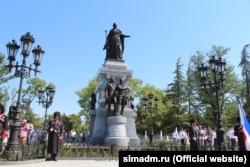 Открытие памятника Екатерине II в Симферополе, август 2016 года