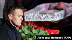Людмила Алексеева билан видолашувга оддий россияликлар¸ мухолифат етакчиларидан тортиб президент Путингача келди.