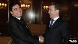 Президенты Туркмении и России.