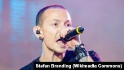 Солист группы Linkin Park Честер Беннингтон.