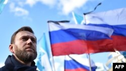 Navalny seeks to ride the antiestablishment wave.