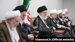 Ajatolah Ali Hamnei i članovi rukovodstva Skupštine eksperata