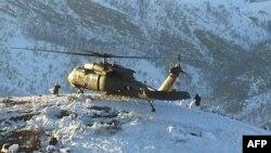 طائرة عسكرية تركية على الحدود مع العراق
