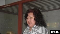 Айыпталушылардың бірі-Әділбек Жайылғановтың адвокаты Гүлжан Омарова. Астана, 6 тамыз, 2009 жыл.