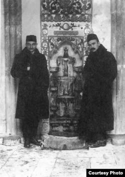 Номан Челебіджихан (праворуч) і Джафер Сейдамет