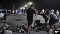 Прыхільнікі Атамбаева перакрываюць дарогу ў Кой-Таш, 7 жніўня 2019 году