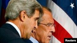 اختلافات اصلی در گفتوگوهای میان آمریکا (در تصویر: جان کری وزیر خارجه سمت چپ) و روسیه (در تصویر: سرگئی لاوروف) حل شده است