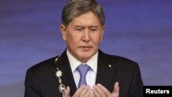 Алмазбәк Атамбаев