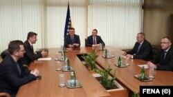 Sastanak Zorana Tegeltije sa premijerima dva entiteta u BiH