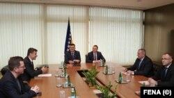 Sastanak Zorana Tegeltije sa premijerima dva entiteta u BiH, arhiv