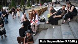 Оппозиция сомневается в объективности расследования событий 20 июня. Свое мнение на этот счет выражают и жители Тбилиси