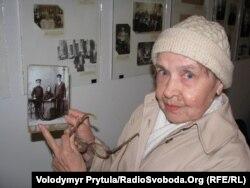 Пані Людмила Непраж впізнала свою родину