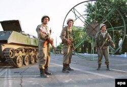 Узбецькі силовики на вулицях Андижана, 14 травня 2005 року