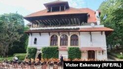 14 iulie: Franța sponsor al culturii române - La Vila Florica a Brătienilor, Ștefănești, Argeș, un concert SoNoRo
