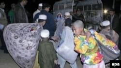 7 uşaq analarına şikayət etdikdən sonra polis dekabrın 12-də Karacidəki mədrəsəyə basqın edib