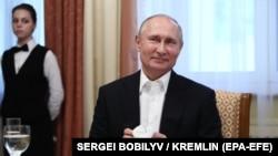 Владимир Путин на официальном ужине в его честь в Минске, 30 июня 2019 года