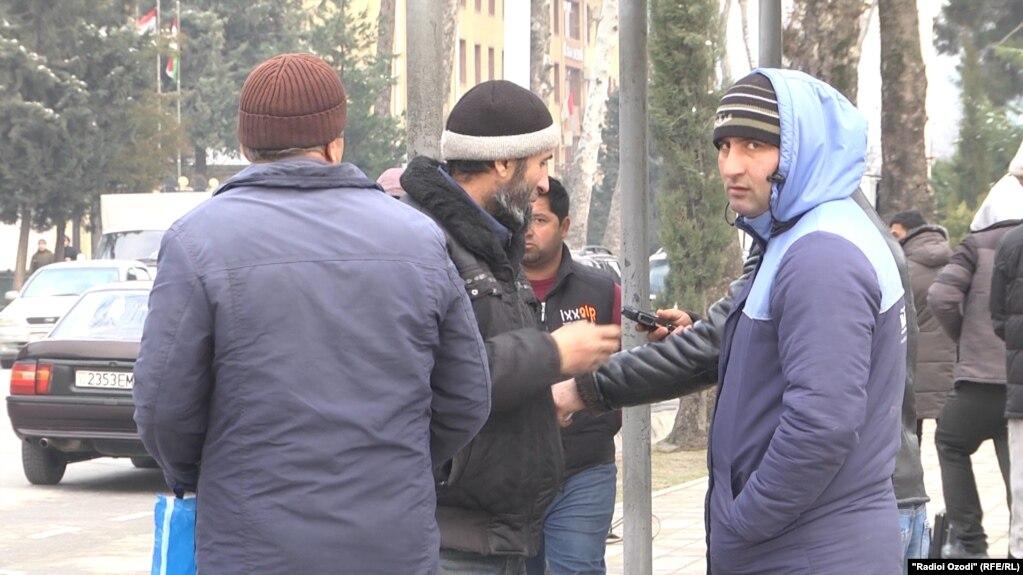 Власти Таджикистана намерены легализовать рынок разнорабочих