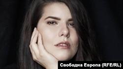 Мила Михова