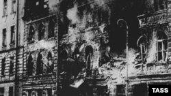 Улица Маяковского после бомбардировки. Ленинград, 1942 год.