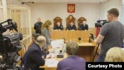 Слушания в суде Вельска по УДО Лебедеву в сентябре 2011 года