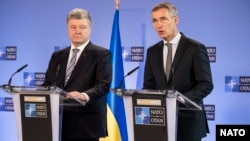 Ուկրաինայի նախագահ Պետրո Պորոշենկո և ՆԱՏՕ-ի գլխավոր քարտուղար Յենս Ստոլտենբերգ, Բրյուսել, 13-ը դեկտեմբերի, 2018թ.