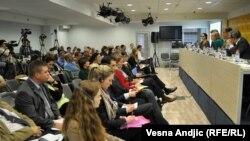 Sa predstavljanja rezultata istraživanja u Medija centru, Beograd, oktobar 2013