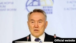 Kazakh President Nursultan Nazarbaev speaks at the Astana Economic Forum.