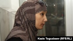 Шынар Бисенбаева, жена подсудимого Саяна Хайрова. Алматы, 27 сентября 2013 года.