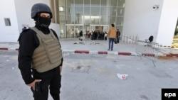 Demonstrante, koji već nekoliko nedelja izlaze na ulice, policija je juče rasterala suzavcem