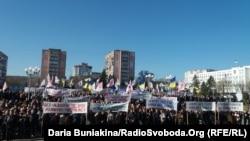 У Черкасах працівники «Азоту» вимагають відновити роботу хімічних підприємств, 3 квітня 2017 року