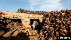 آرشیف، یکی از چوب فروشیها در شهر کابل