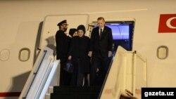Реджеп Тайип Эрдоган с супругой Эмине Эрдоган. Ташкент, 29 апреля.