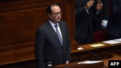 Франсуа Олланд обращается к обеим палатам французского парламента