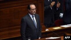 Франсуа Олланд перед высткплением в парламенте 16 ноября