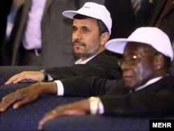 Бывший президент Ирана Махмуд Ахмадинежад всегда был хорошим другом Роберта Мугабе