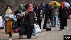 Хора, търсещи убежище, напът към гръцко-турската граница